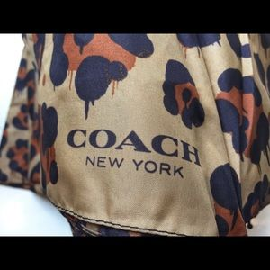 Coach Accessories - 🌟GENTLY USED 🌟COACH LEOPARD PRINT UMBRELLA🌂😍